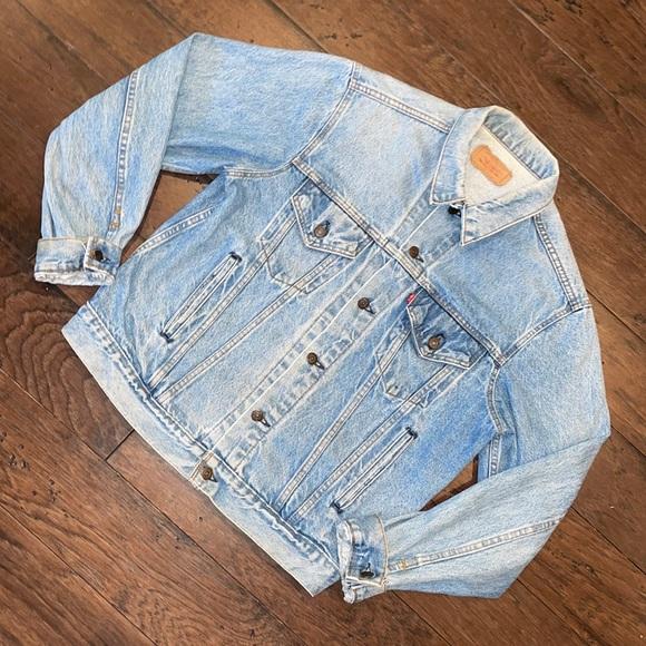 Vintage 80-90s Levi Strauss Jean jacket washed